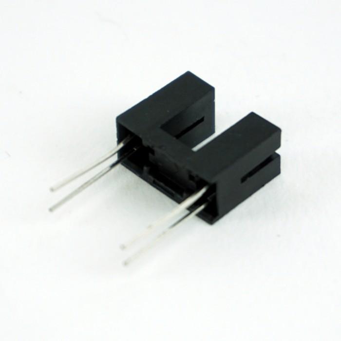 Senzor fotoelectric infrarosu